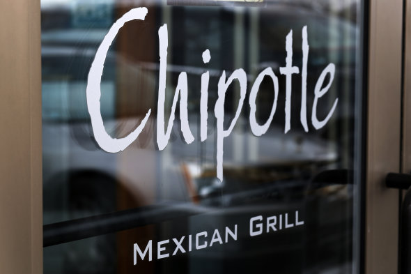 "Chipotle ""very interested"" in Apple Pay"