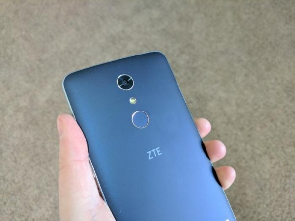 ZTE ZMAX PRO REVIEW: A BUDGET-FRIENDLY BEHEMOTH OF A SMARTPHONE
