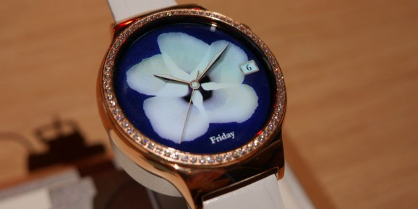 Swarovski-encrusted smartwatches for women thanks to the Huawei Watch Jewel
