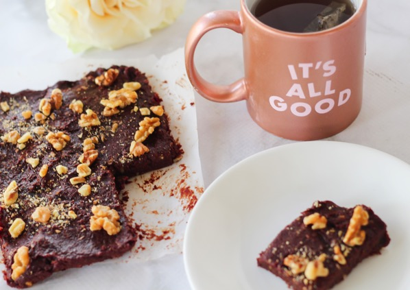Raw brownies (gluten-free, vegan, 5 ingredients)